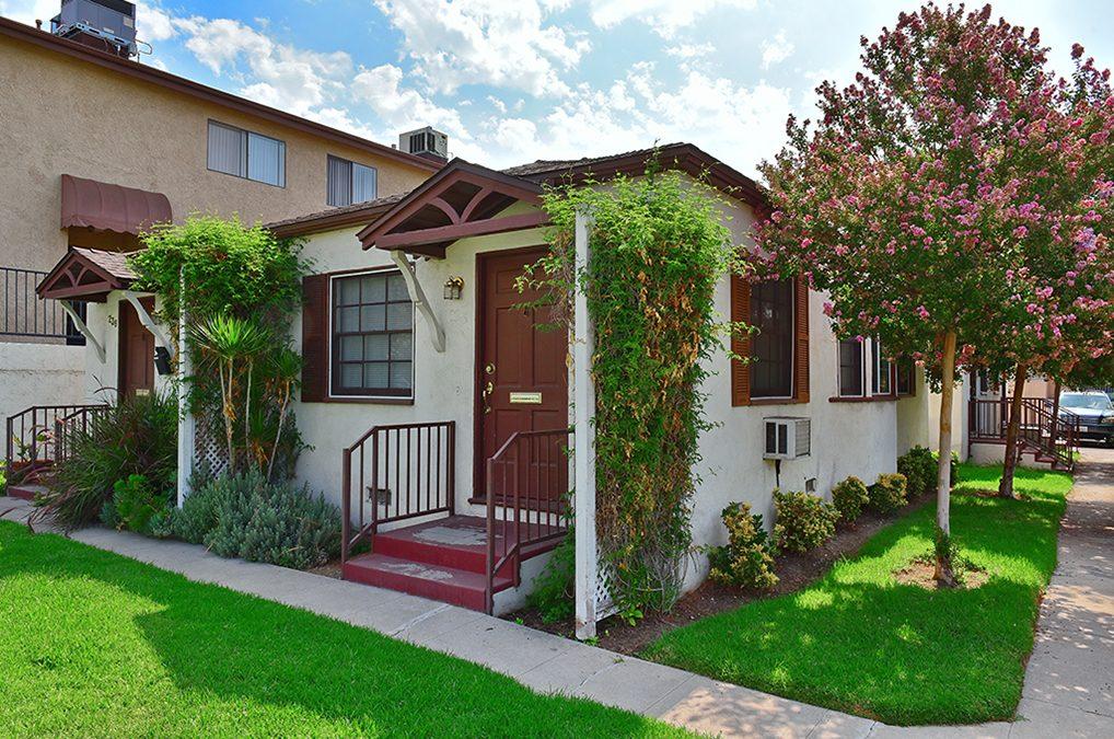 238-240 E. Elmwood Ave. Burbank, CA 91502